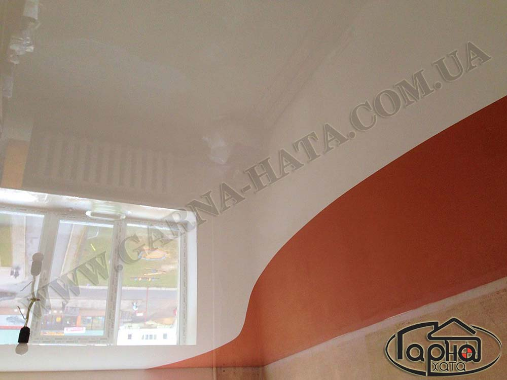 натяжные потолки два цвета в зале