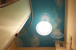 натяжные потолки фотопечать небо в ванной