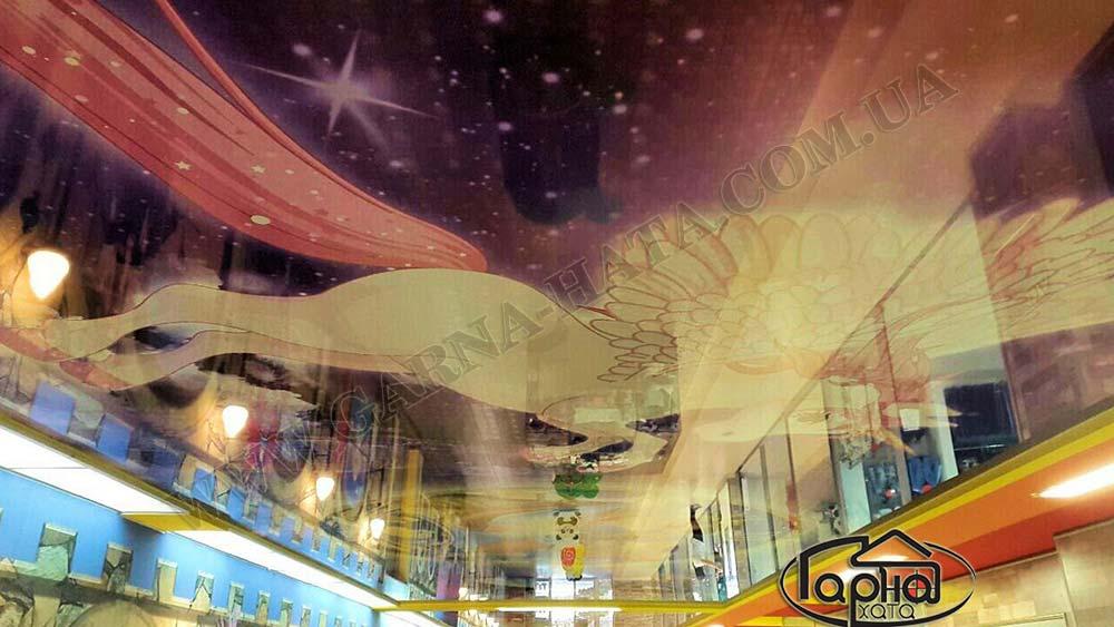 натяжні стелі в торговому залі