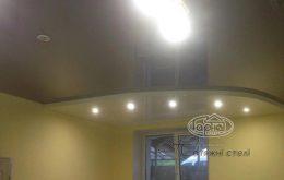двухуровневый натяжной потолок зал