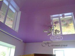 фіолетові натяжні стелі