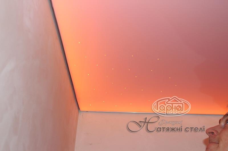 глянцеві натяжні стелі з підсвіткою в луцьку