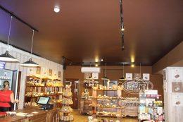 шоколадні натяжні стелі