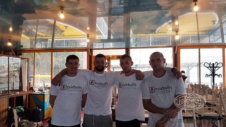 Гарна Хата в Італії, ресторан на кораблі Zvirbulis