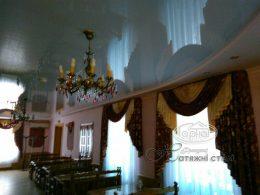 білі натяжні стелі в млинові, ресторан сапфір
