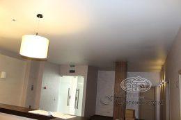 матовые натяжные потолки на рецепции в клубе Версаль