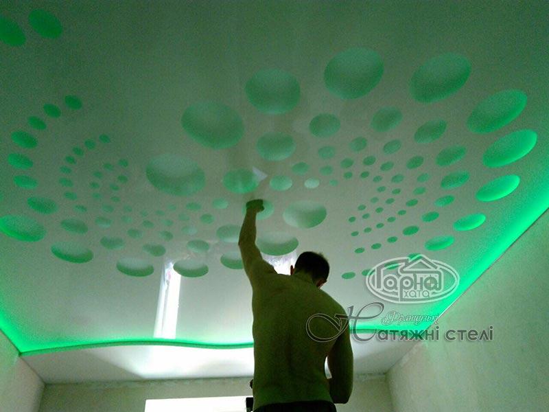 натяжной потолок фото apply подсветка