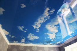 натяжна стеля небо