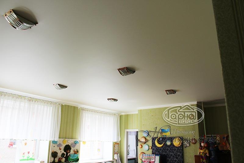 натяжной потолок в детском саду 3