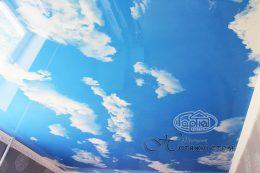 натяжные потолки голубое небо