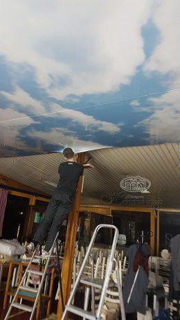 натяжні стелі голубе небо Італія
