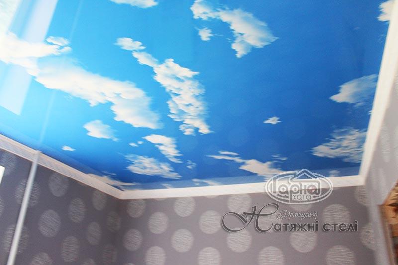 натяжні стелі небо з хмарами фото