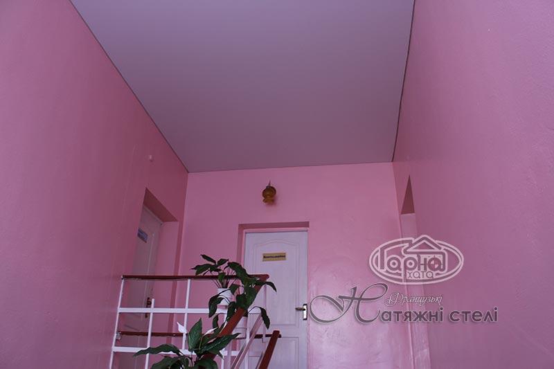 натяжні стелі в коридорі, дитячий садок