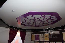 перфорация на потолке в два уровня