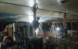 установка стелі в Італії Гарна Хата
