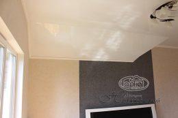 мансардные натяжные потолки фото