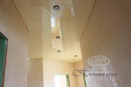 натяжные потолки коридор