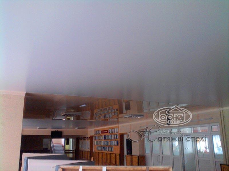 сатинові натяжні стелі з глянцем