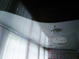 натяжной потолок двух цветов в Луцке