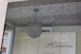 натяжной потолок в кухне нити