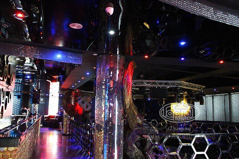 натяжные потолки луцк клуб опера