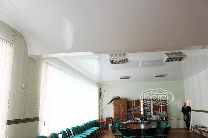 глянцевые натяжные потолки 3D