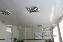 натяжные потолки 3D фото, белая