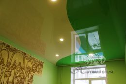 натяжные потолки цвет шампань и зеленый