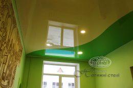 натяжные потолки зеленый и бежевый