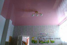 глянцевые натяжные потолки в дет. саду