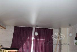 сатинові натяжні стелі в квартирі