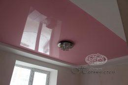 потолок глянец розовый