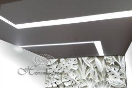 парящие световые линии на натяжном потолке