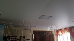 матовый натяжной потолок белый шов