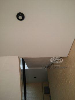 матовый потолок натяжной в помещении