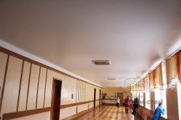 матовые натяжные потолки в фойе