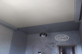 сочетание матовых натяжных потолков