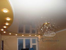 двухуровневые натяжные потолки комната