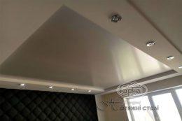 глянцевый потолок и гипсокартон