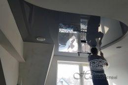 глянцевый потолок различной формы