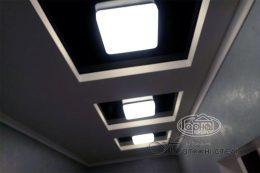 натяжной потолок в коридоре черный