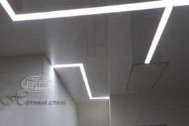 парящие световые линии на потолке