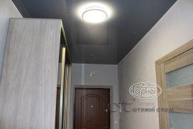 натяжной потолок серого цвета, коридор