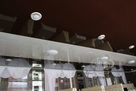 натяжной потолок в два цвета, ресторан