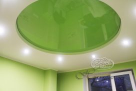 натяжной потолок зеленого цвета, комната