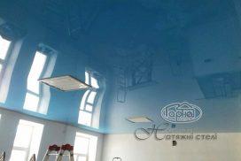 потолок натяжной синий