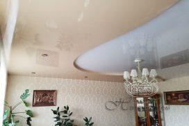 двухуровневый натяжной потолок, бежевого цвета