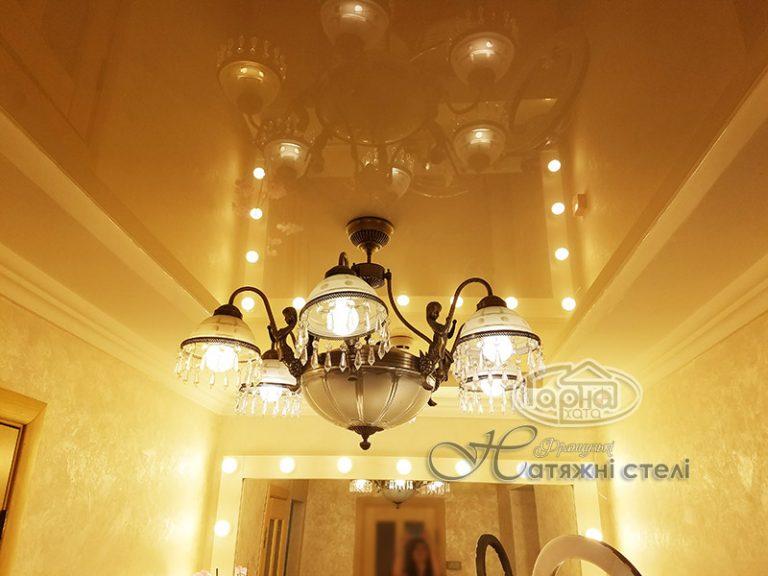 глянцевые натяжные потолки в зале, фото, цена