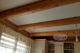 матовый натяжной потолок установлена в доме из бруса