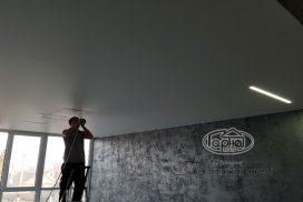 матовый потолок подсветка